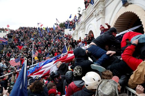 Pelosi Names 2nd Republican to US Capitol Riot Probe