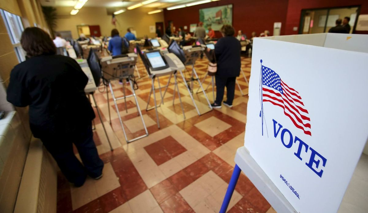 Democratic Campaign Expands With Super Tuesday Voting