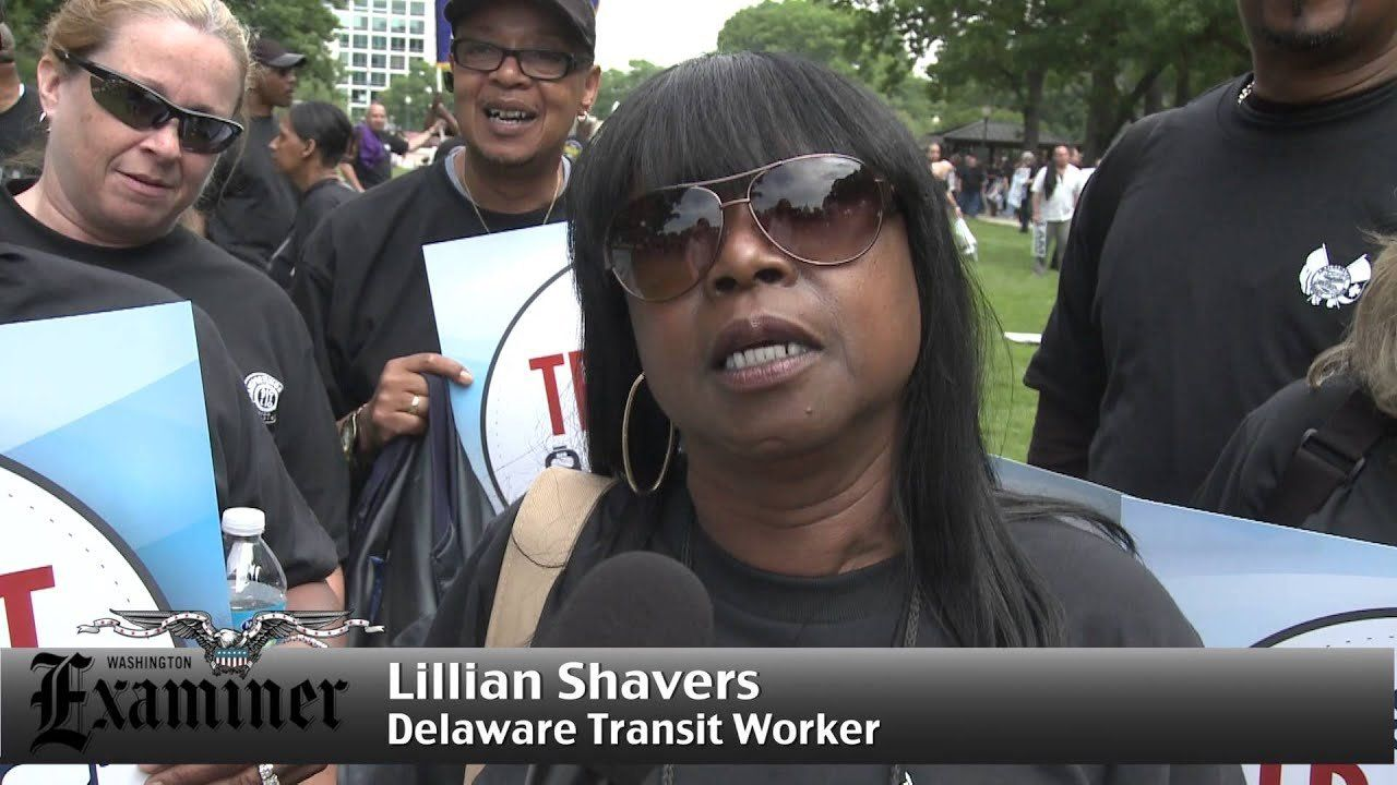 Hundreds rally to support funding for mass transit