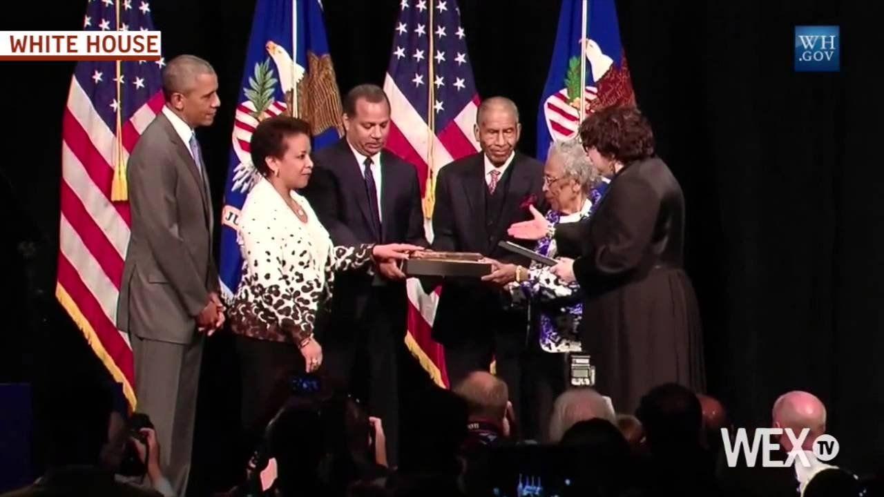 Loretta Lynch ceremonially invested as 83rd U.S. Attorney General