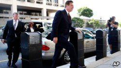 Paul Manafort arrives at federal court, June 15, 2018, in Washington.