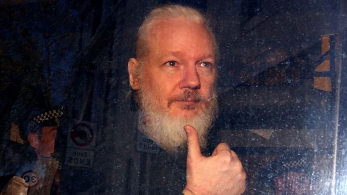 Trump: 'I Know Nothing About WikiLeaks'; US Seeks Assange Extradition