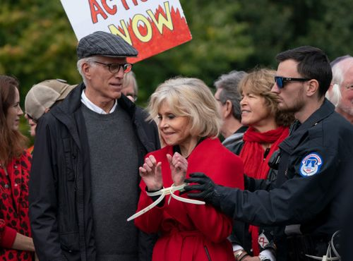 Fonda Arrested for Third Week in a Row in Climate Protests