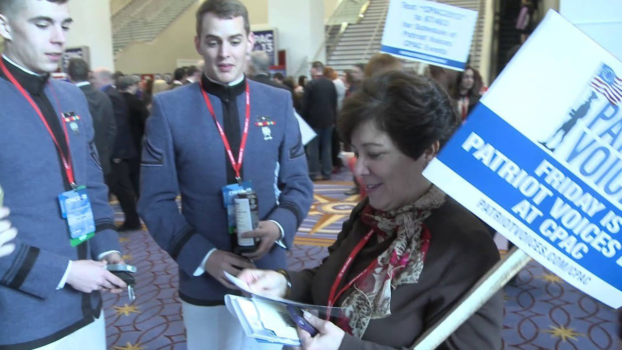 Rick Santorum and Rand Paul supporters out early at CPAC
