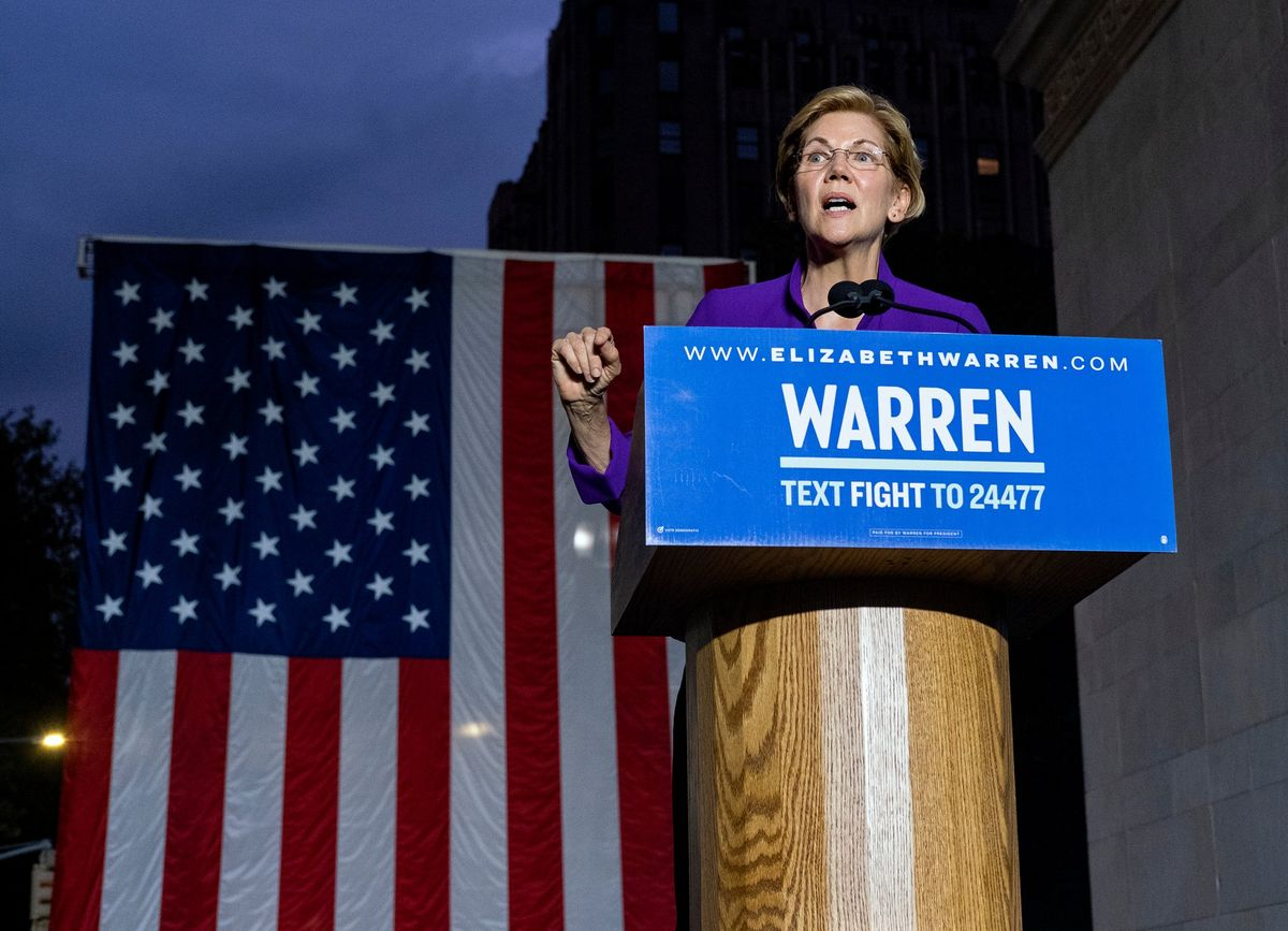 Railing Against Corruption, Democratic White House Hopeful Warren Rallies Thousands in NY