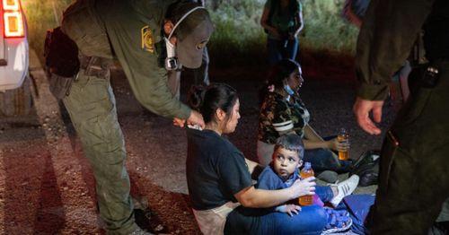 Border arrests soar to highest levels since 1986, Customs and Border data shows