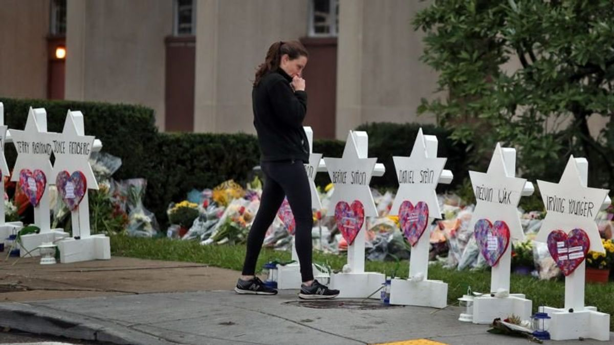 Trump, First Lady Will Visit Grieving Pittsburgh Congregation Amid Anger and Blame