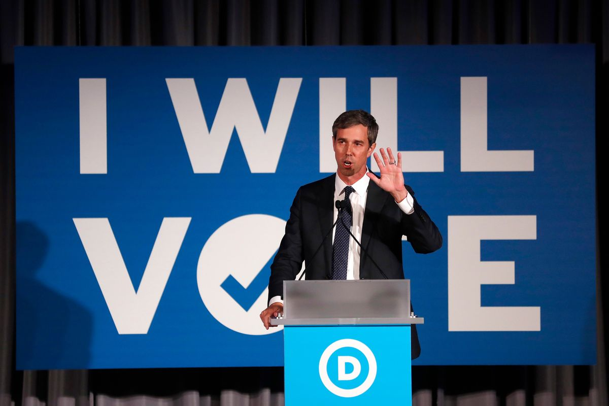 O'Rourke Campaigns With His Wife as He Struggles With Women