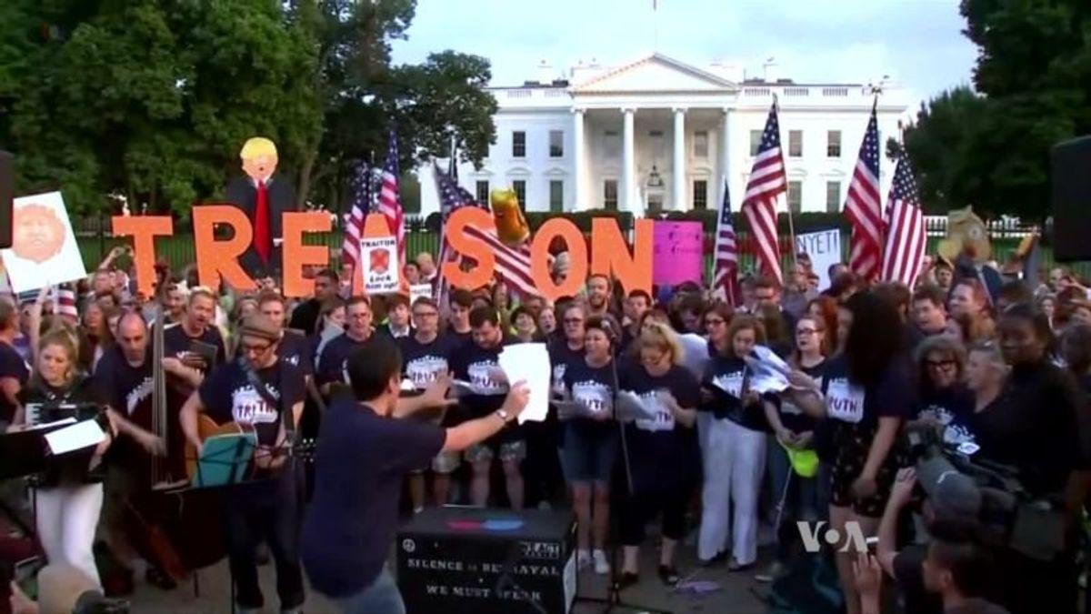 Trump, Democrats Face Different Political Landscape Ahead of Midterms