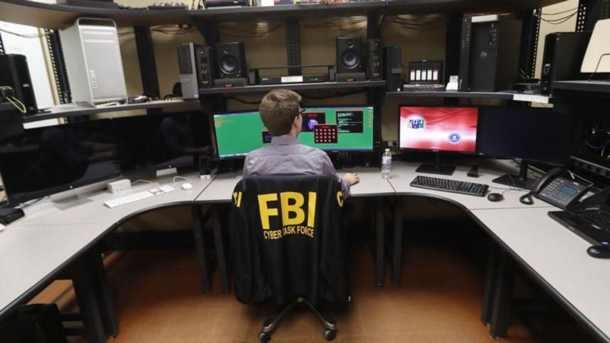 FBI Agents Urge Congress, White House to Fund Bureau 'Immediately'