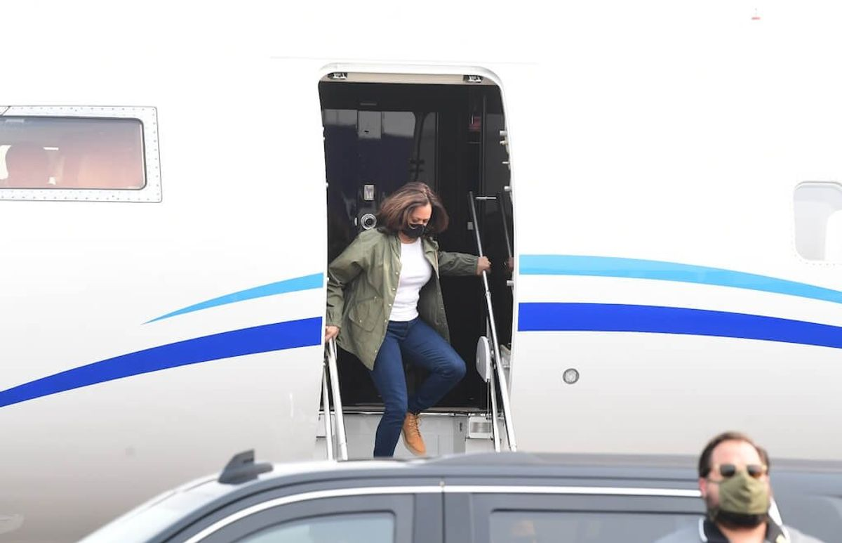 Harris Suspends Campaign Travel After 2 in Her Entourage Test Positive for COVID