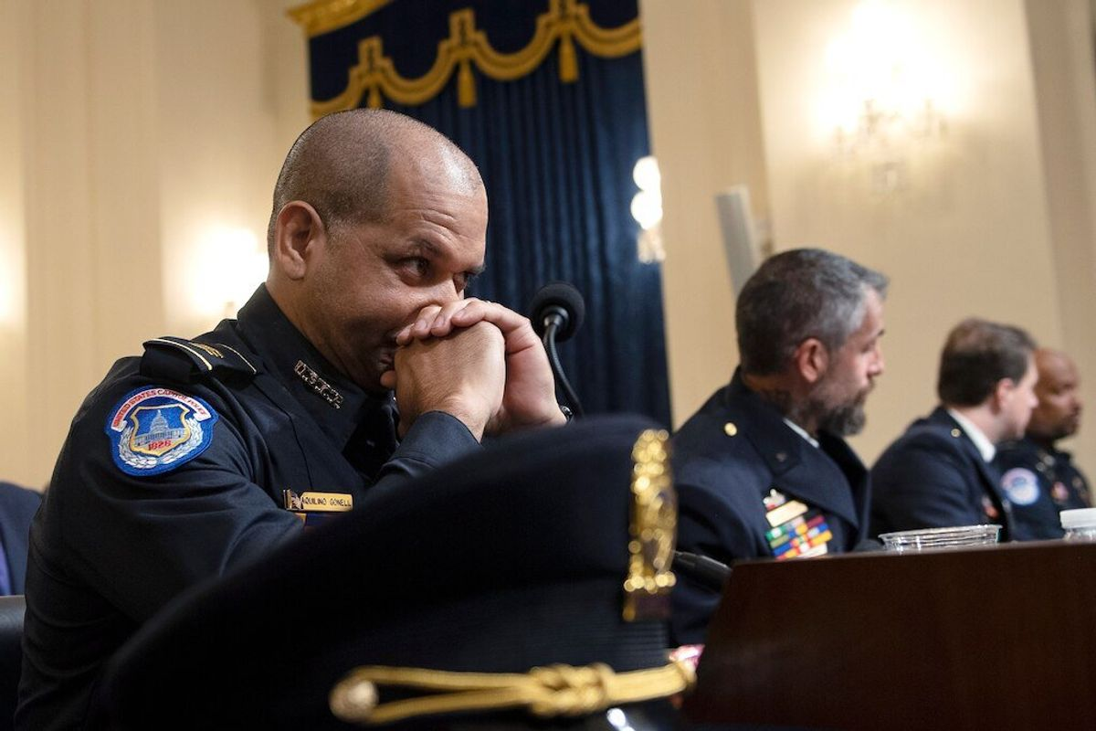 Four US Police Officers Grippingly Describe January 6 Attack on US Capitol