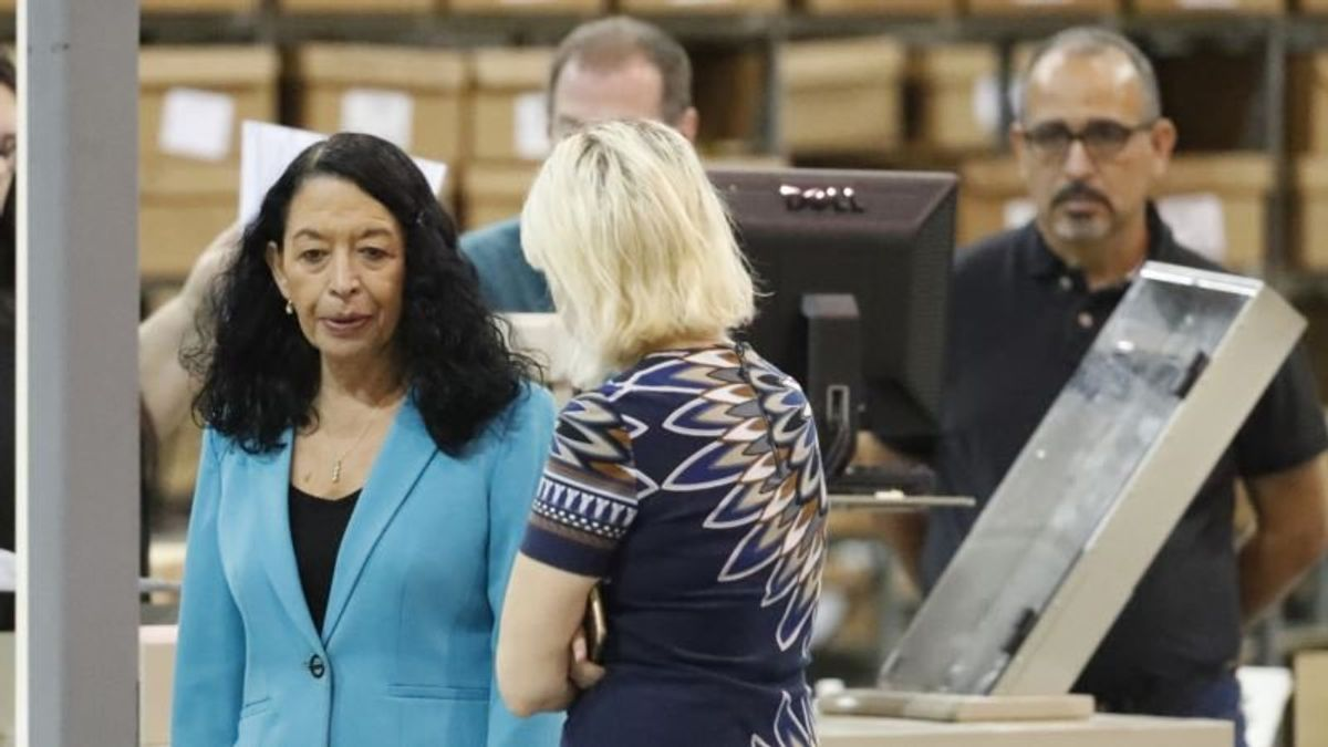 Florida Vote Recount Continues as Democrats Gain Ground Elsewhere