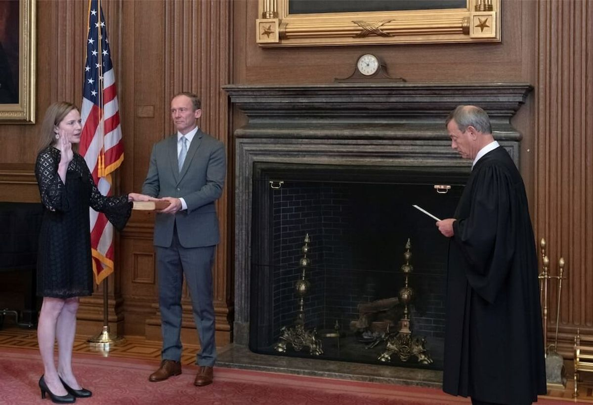 Amy Coney Barrett Formally Sworn In as US Supreme Court Justice
