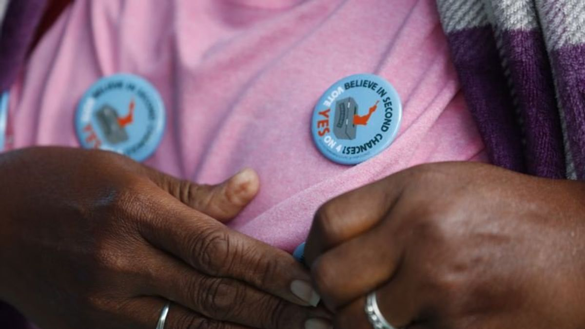 Florida Passes Amendment to Restore Felons' Voting Rights