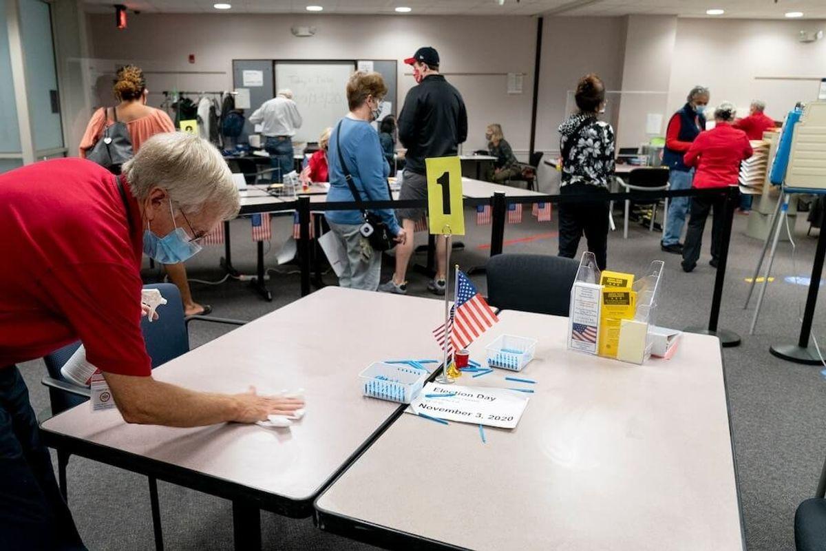 Judge Extends Virginia Voter Registration