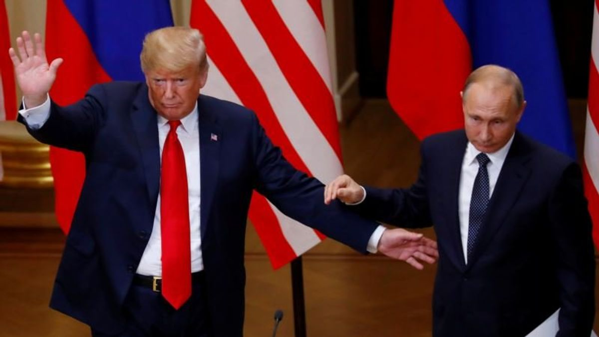Trump Faces Wide Rebuke for Siding with Putin Over US Intelligence