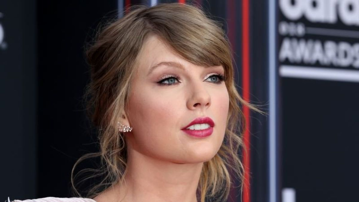 'Speak Now' – Taylor Swift Sets Off Storm by Getting Political