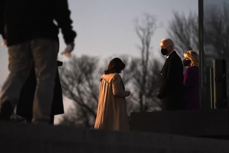 Joe Biden hosts a memorial to honor those who died from COVID-19