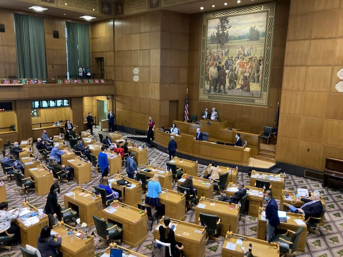 Oregon State Legislature Removes Republican Lawmaker for Helping Protesters Breach Capitol