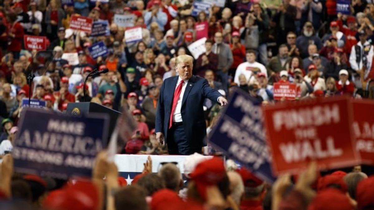 Trump Rallies on Eve of Midterm Referendum on His Presidency