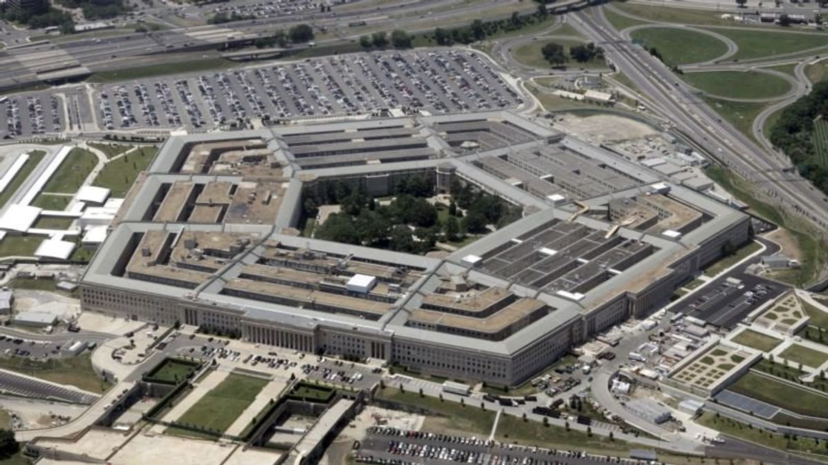 Pentagon Creating Software 'Do Not Buy' List to Keep Out Russia, China
