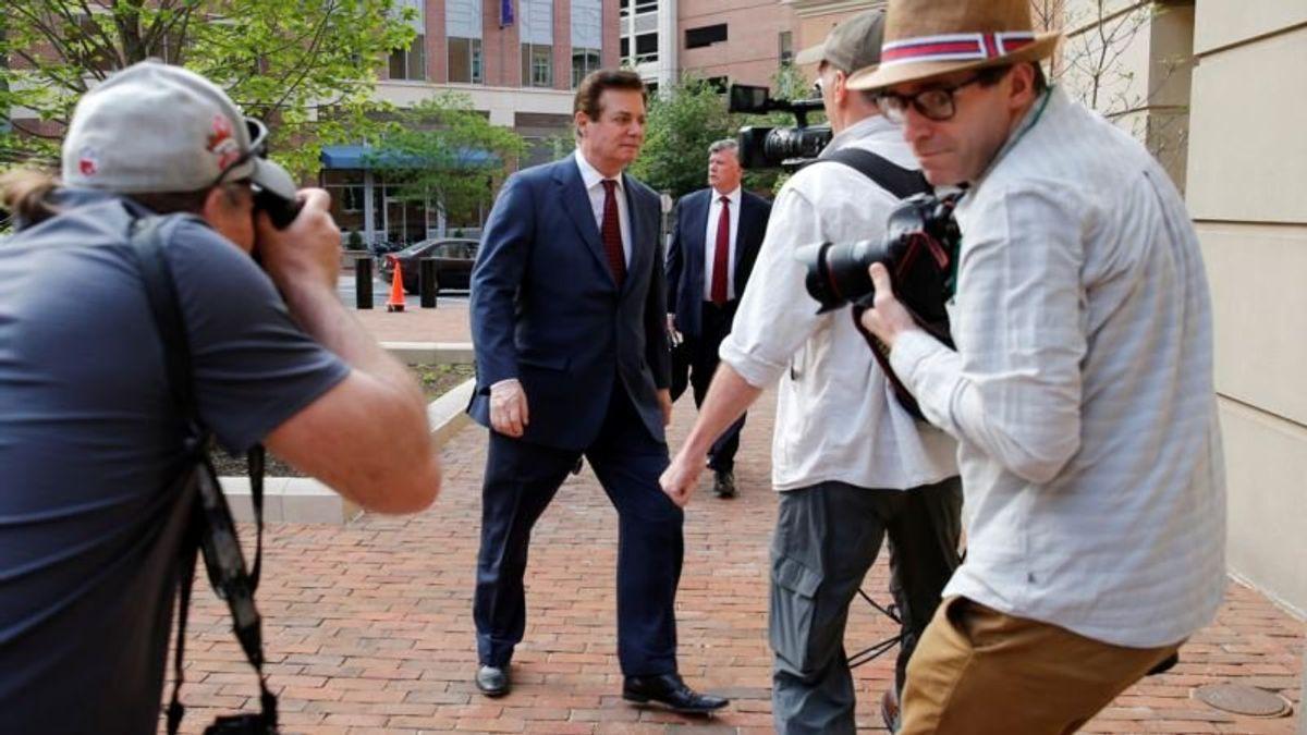 Trump's Ex-Aide Manafort Due in Court Over Bid to Delay Trial