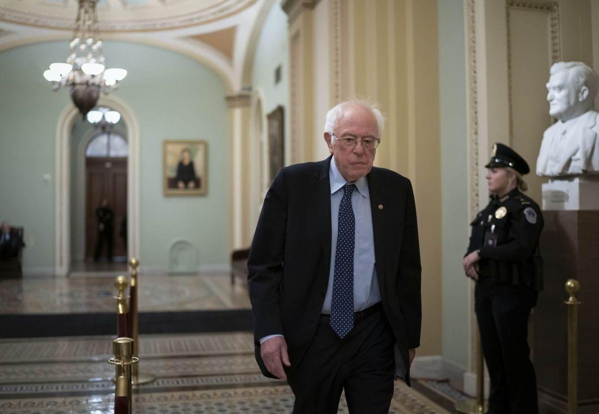 Postal Workers Union With 200,000 Members Endorses Sanders