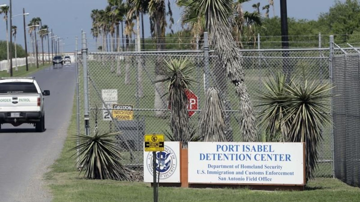 US Senator: Nearly $10M Diverted to Immigrant Detention