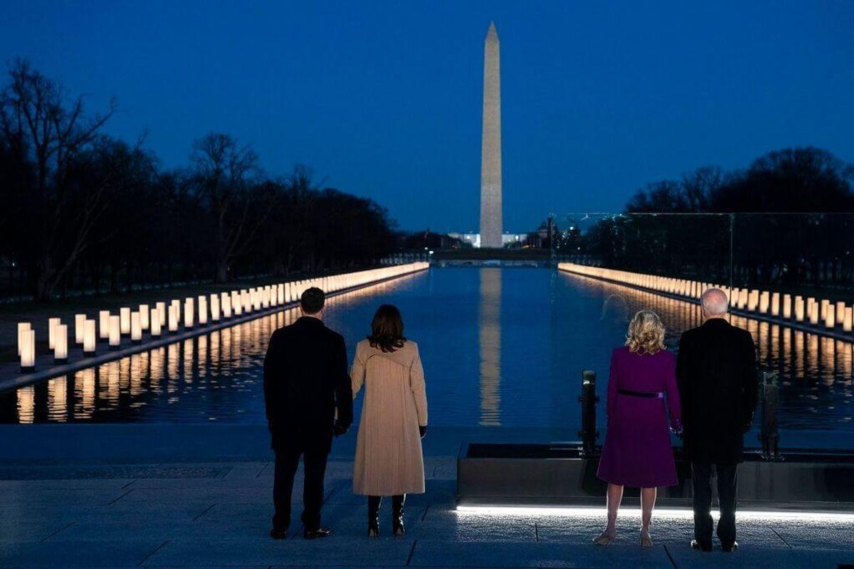 Biden, Harris Honor US Coronavirus Dead Ahead of Inauguration