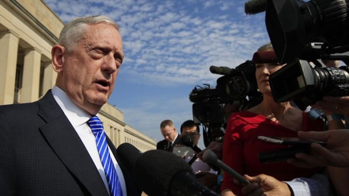 Mattis: US Not Pursuing Regime Change in Iran