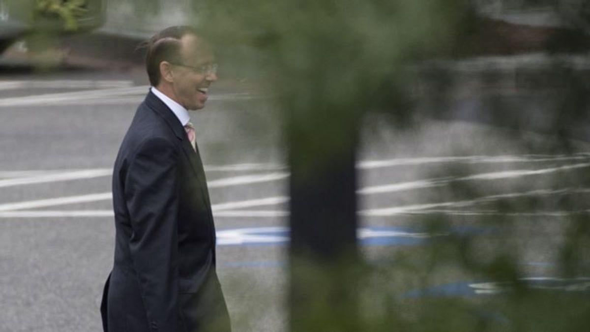 Trump May Delay Rosenstein Meeting to Focus on Kavanaugh