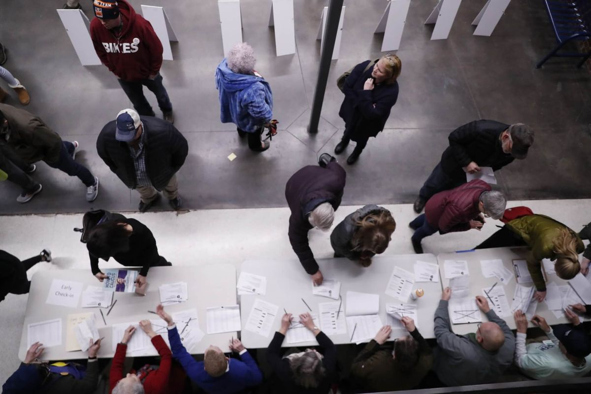 Iowa Voters Begin to Weigh in on Democratic Presidential Candidates