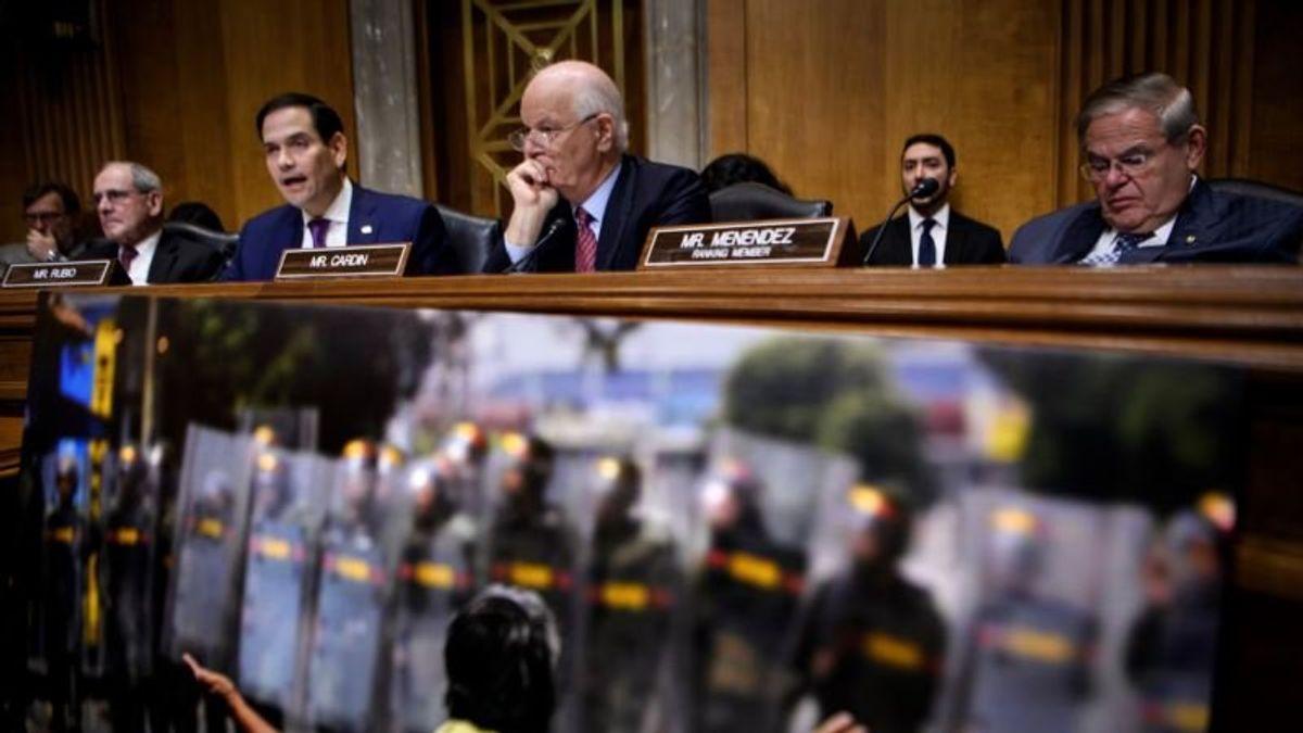 US Lawmakers Warn Maduro Loyalists in Venezuela