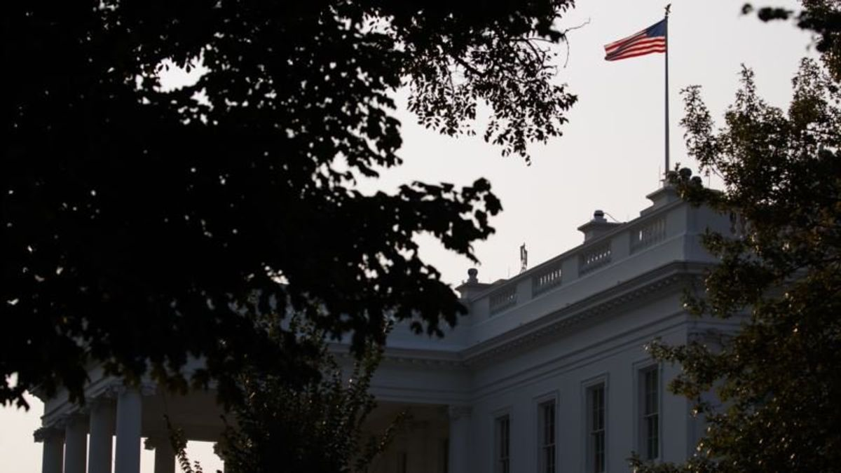 Flags at White House Back at Full Staff After McCain's Death