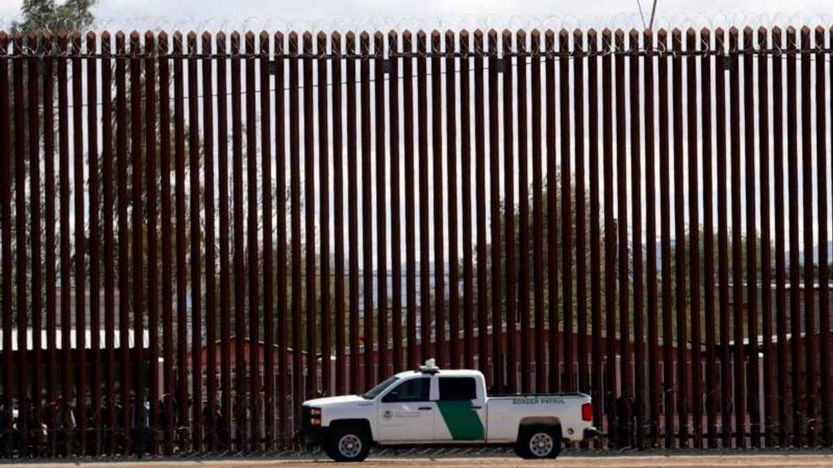 AP Fact Check: Trump's Mexico Mirage