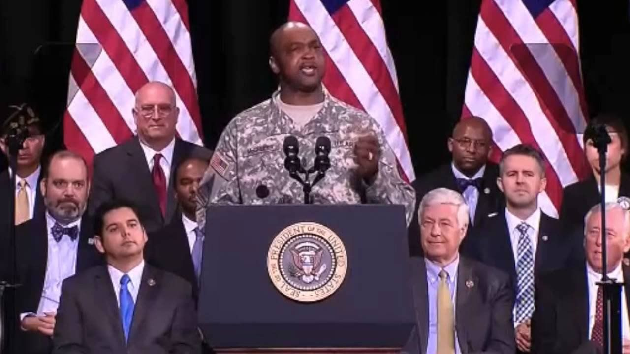 Obama signs Veterans Affairs overhaul bill into law