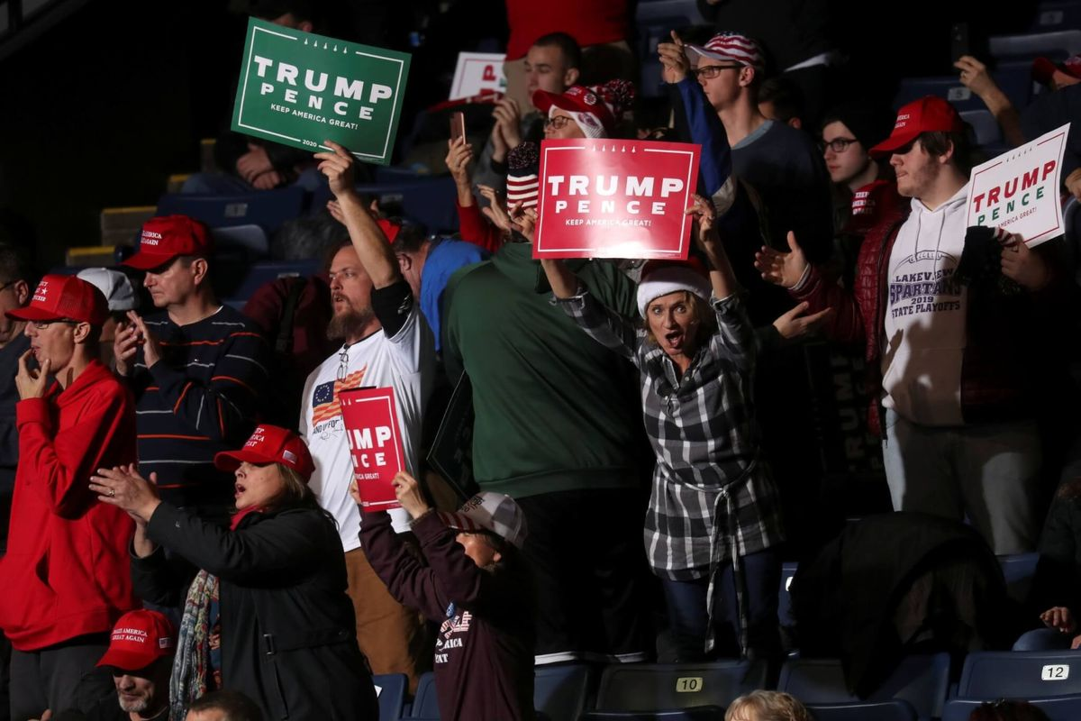 Trump Campaign Urges Supporters to Debate With Relatives During Holidays