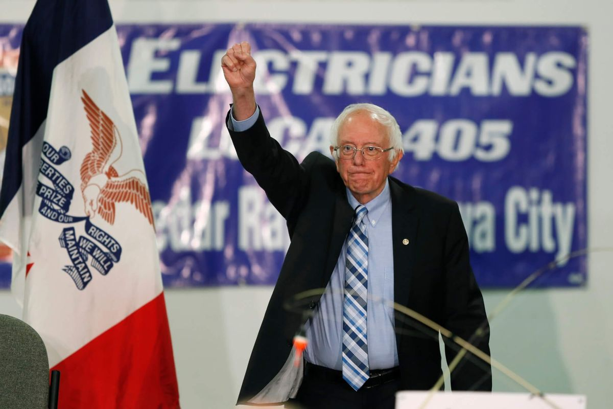 Sanders Backs Decriminalization of Illegal Border Crossings
