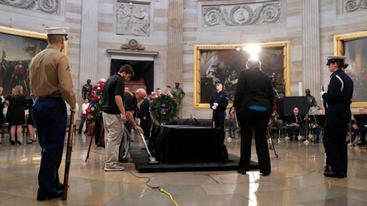 Former President George HW Bush to Lie in State at US Capitol