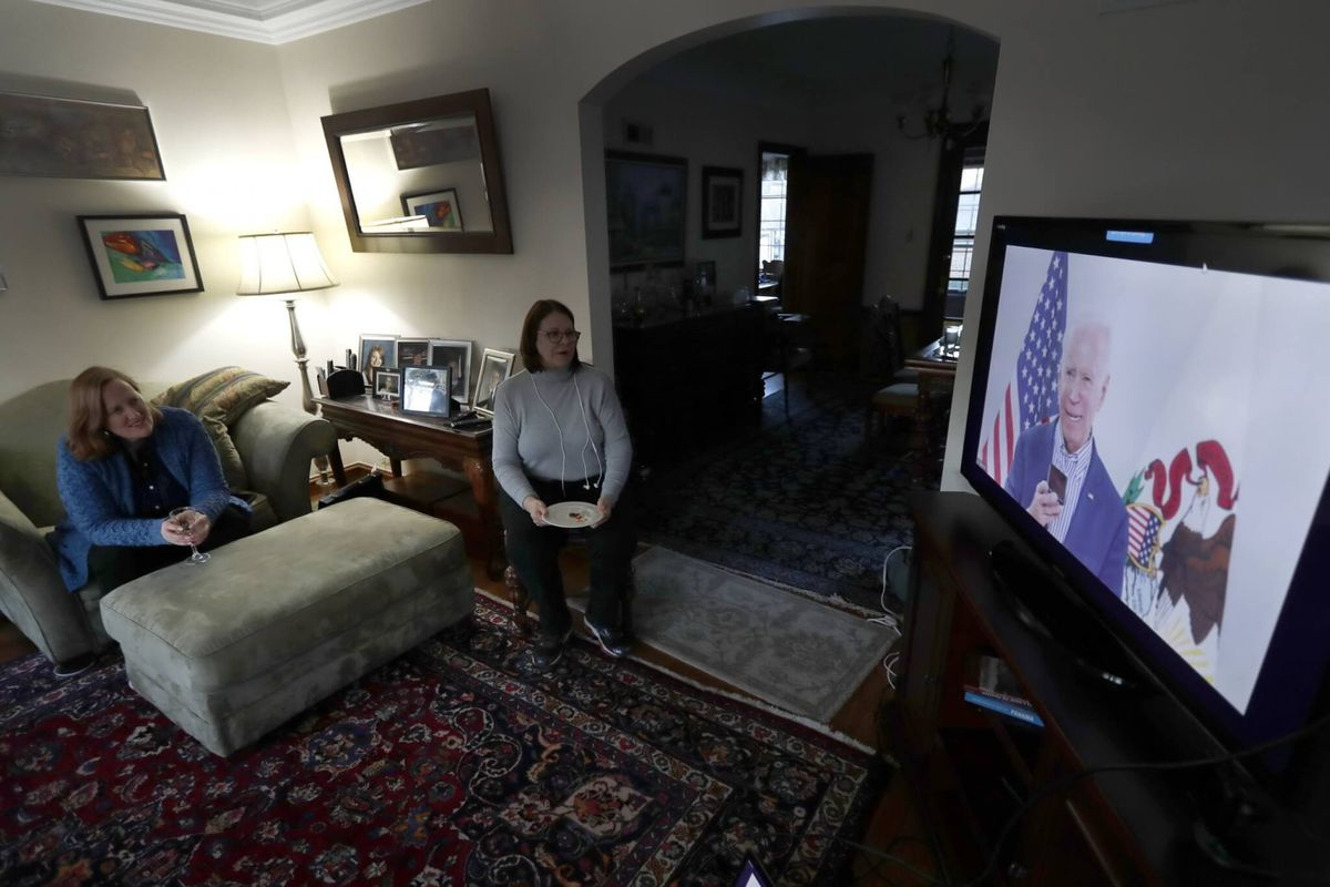 Biden, Sanders Staging Virtual Rallies Amid Coronavirus Fears