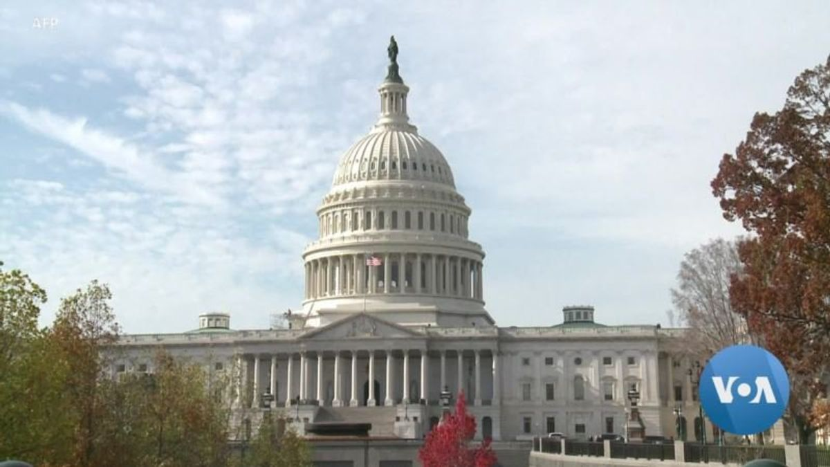 'Constitutional Crisis' or Confrontation? Democrats and Republicans Disagree