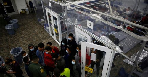 Biden administration reportedly to offer COVID vaccine to illegal immigrants near border