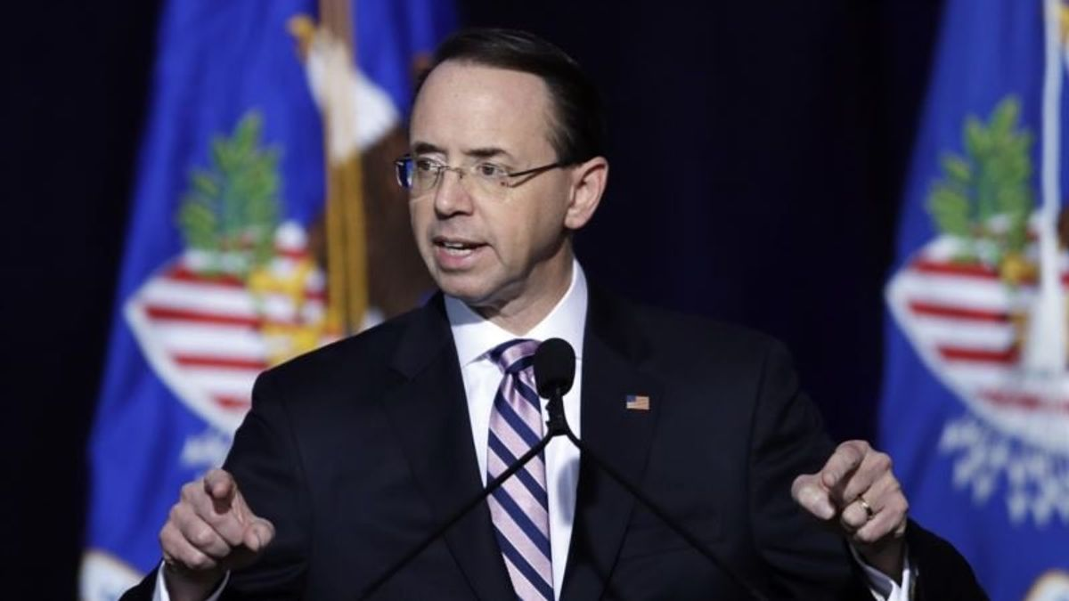 "Ex-FBI Official: Rosenstein ""Absolutely"" Backed Trump Probes"