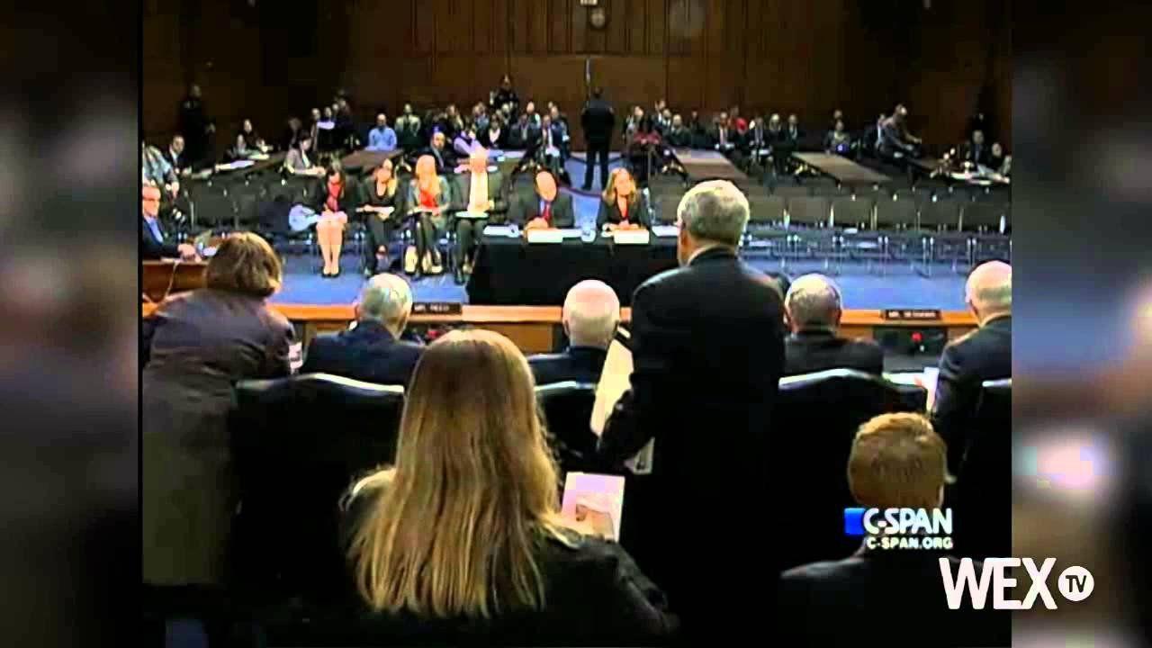 Senate panel approves Ashton Carter to lead Pentagon