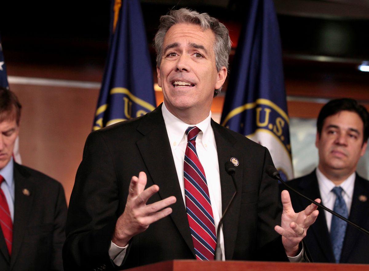 Former Illinois Congressman Challenges Trump for Republican Presidential Nomination