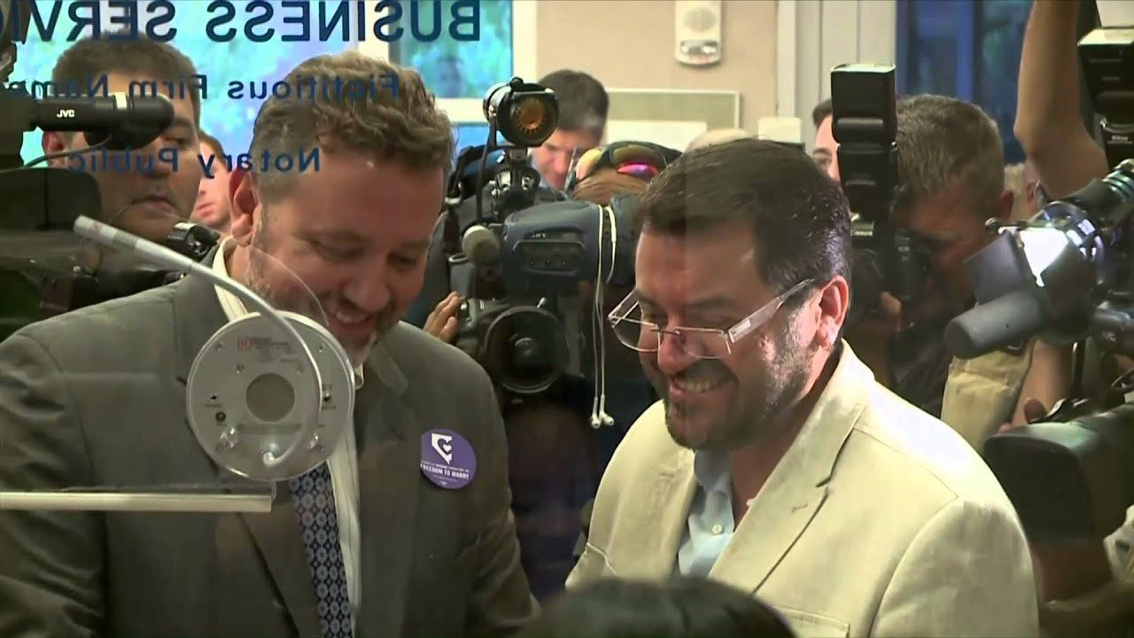 Gay marriage becomes legal in Las Vegas