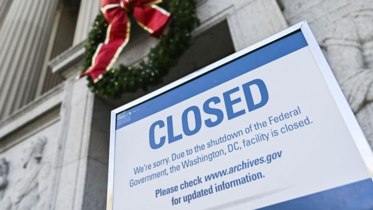 US Federal Government Shutdown Enters Second Day