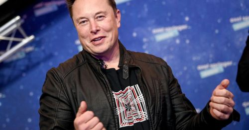 Billionaire tech mogul Musk hosting 'Saturday Night Live' creates a what will he say next moment