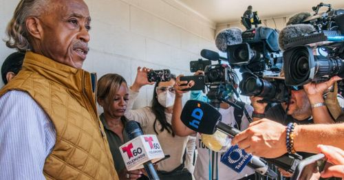 Not in Brooklyn anymore: Rev. Al Sharpton gets shouted down at photo op along southern border
